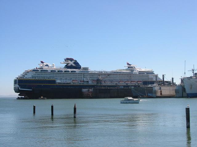 10.09.2004 - 17.09.2004 | Celebrity Summit Dry Dock